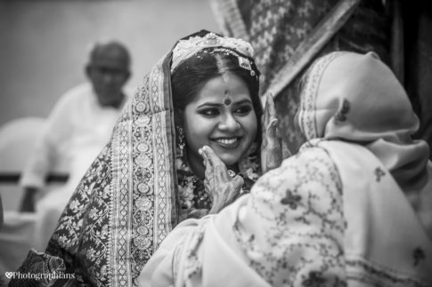 candid wedding photography by Photographians team of candid wedding photographers in Kolkata